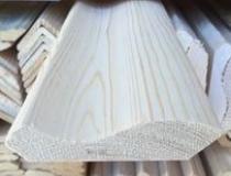 Плинтус деревянный 90 мм бессучковый клееный Сосна, цена за 1 м. п.